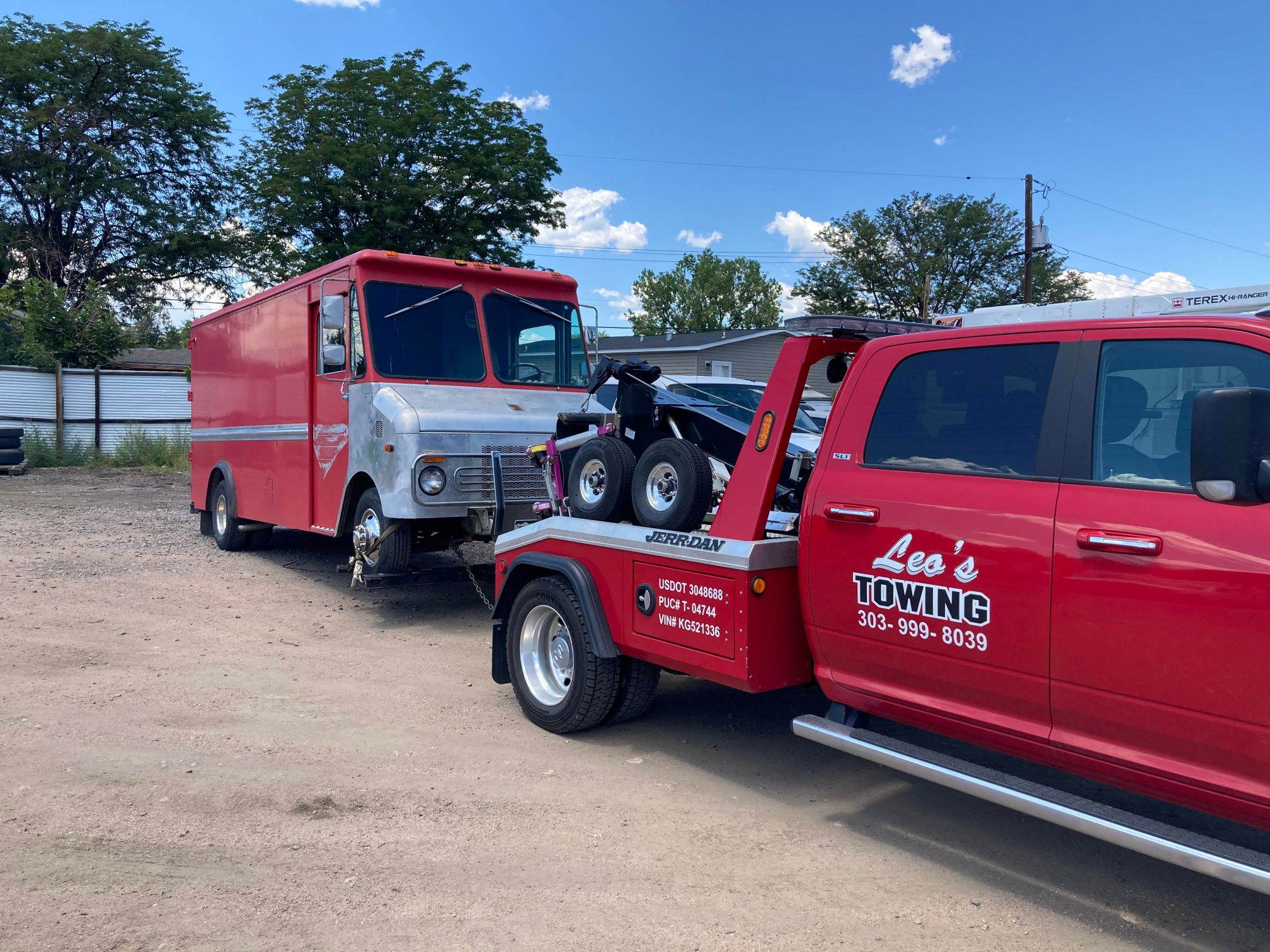 Leos Towing & Recovery (2)
